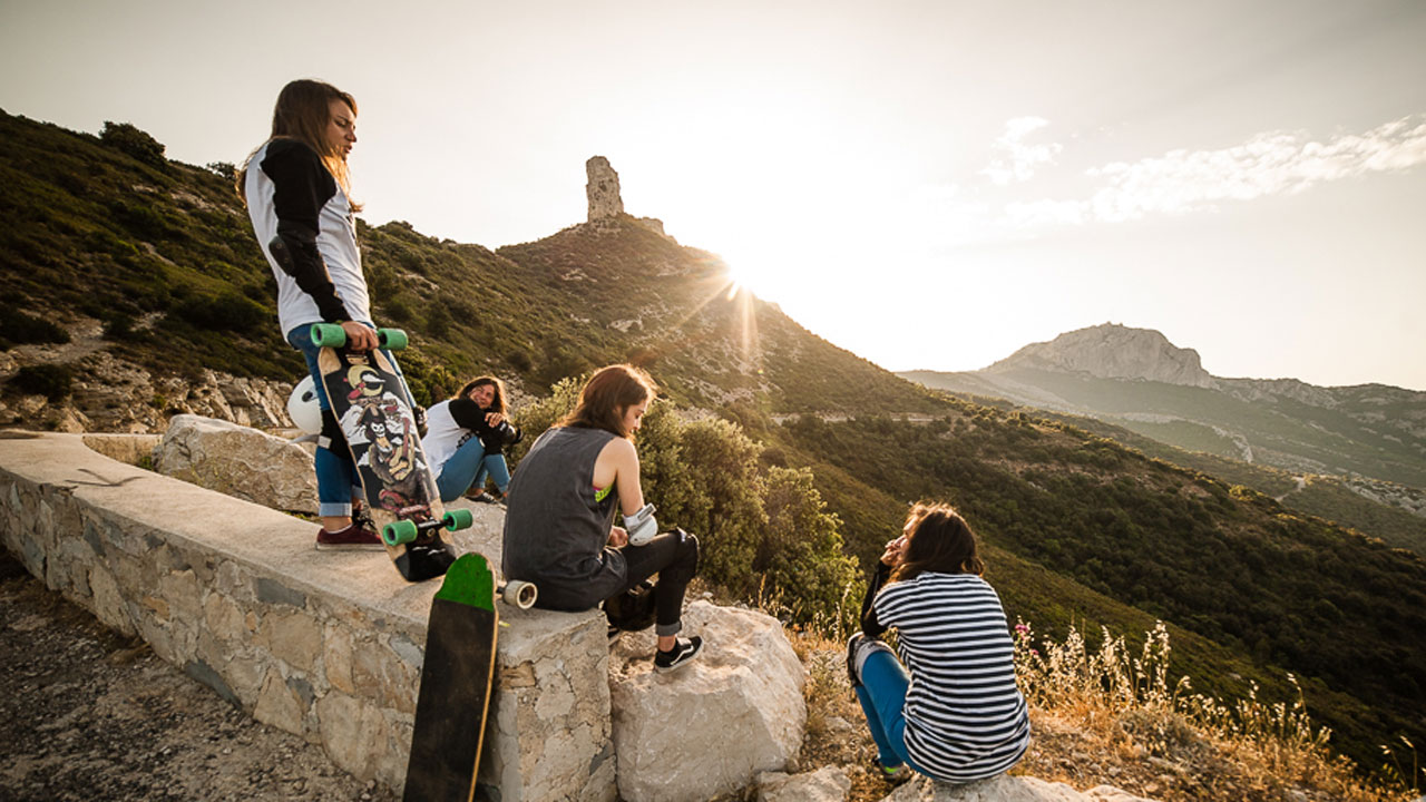Longboard Girls Crew France - Behind the scenes of filming a new video