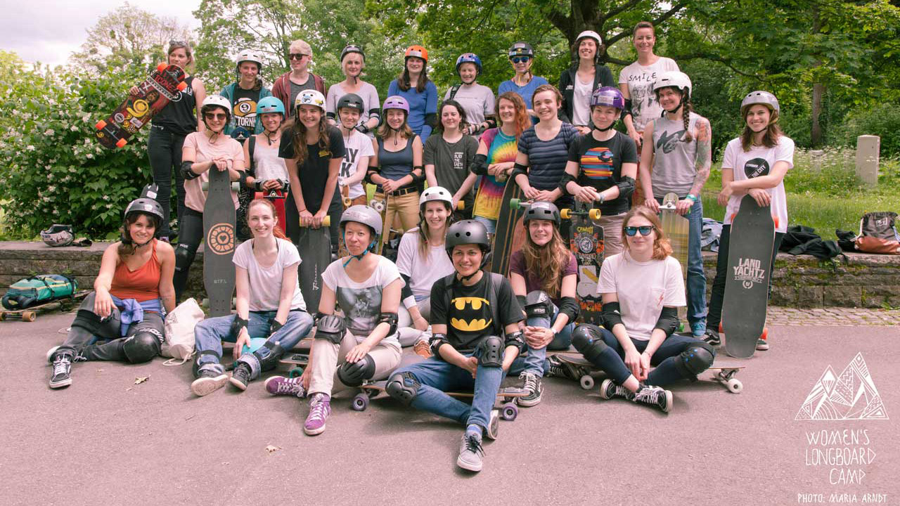 Women's Longboard Camp - Group photo by Maria Arndt