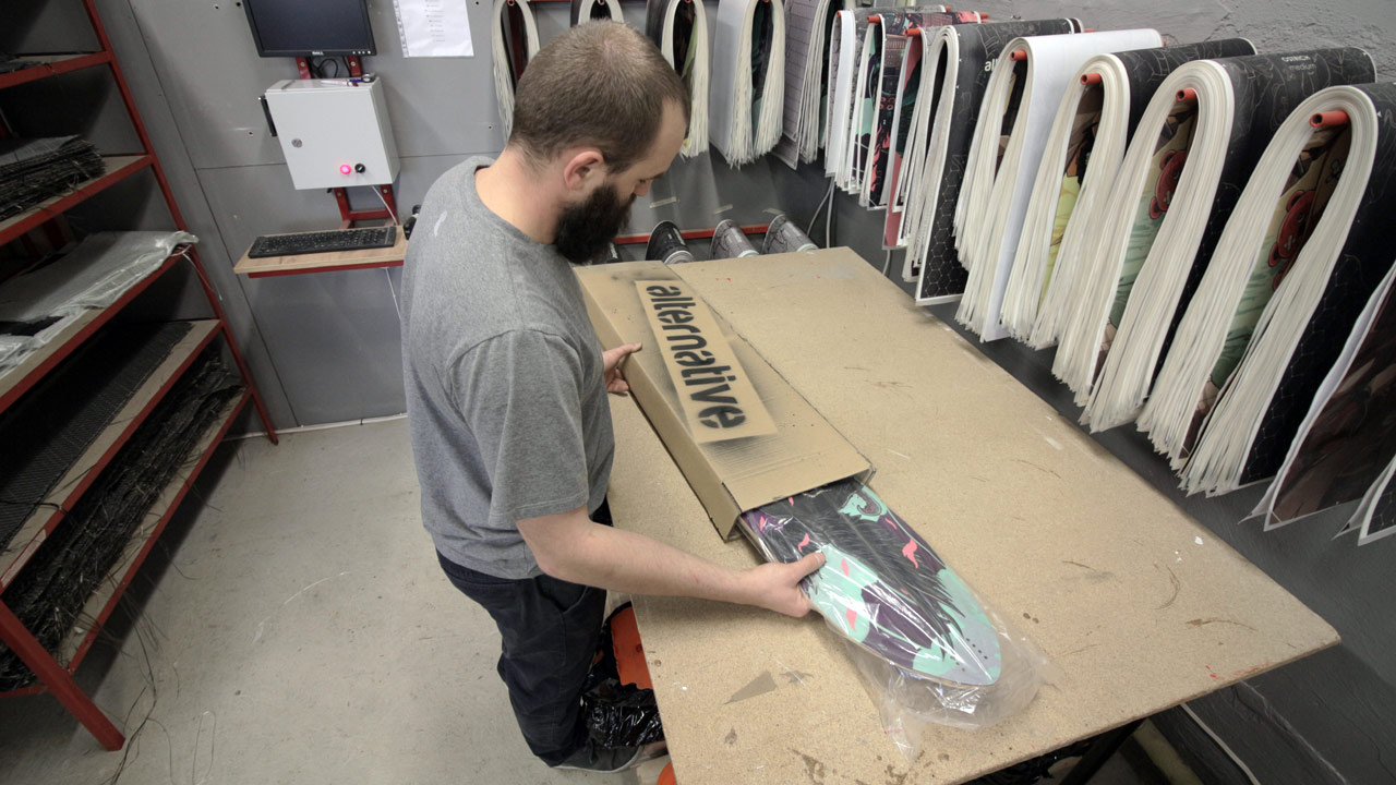 A day in the Alternative Longboards Workshop