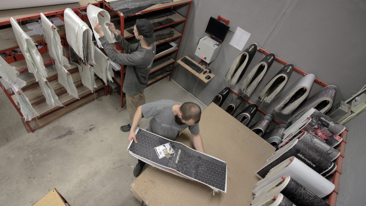 A bird's-eye view of the preparation station in the Alternative workshop.