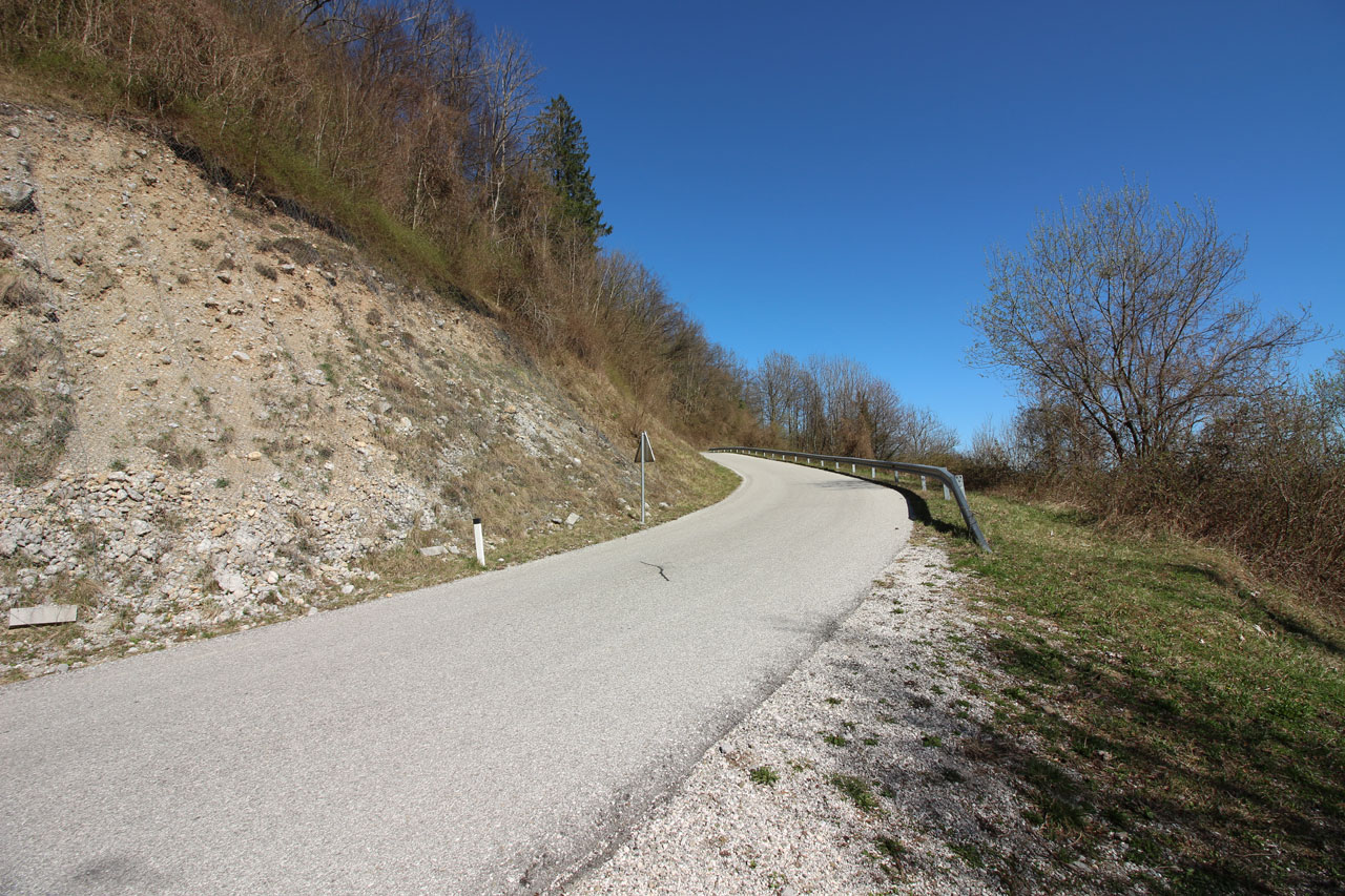Steep drop in the lower section of the track.